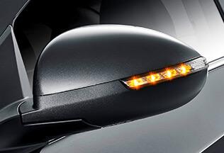 Светодиодные LED-показатели поворотов на боковых зеркалах